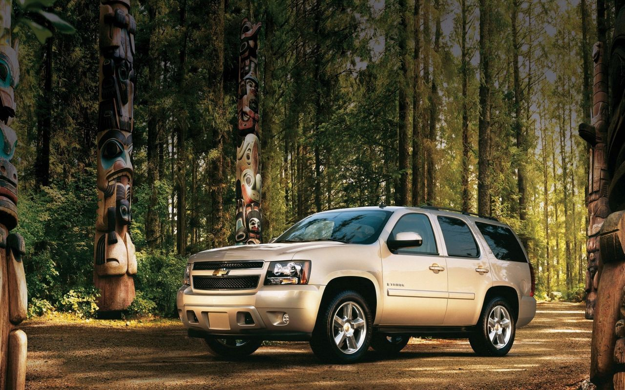 Tahoe Front Side View Forest Wallpaper 1280x800[0]